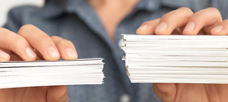 troca de cartões de visita - Como fazer cartão de visita fácil: entenda esta arte