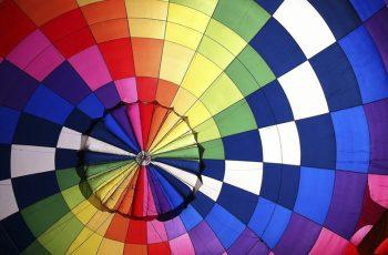 Combinar cores: Tudo o que você precisa saber para criar materiais incríveis